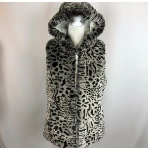 NWT Snow Leopard Print//White Kristen Blake Reversible Faux Fur Hooded Vest